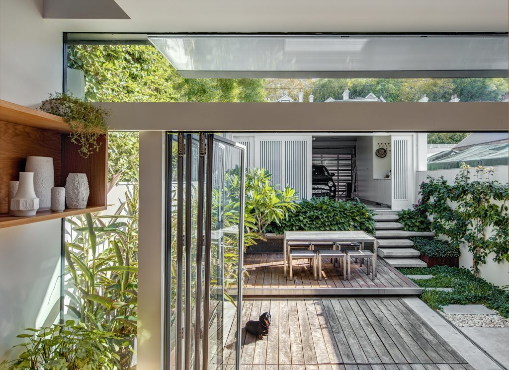 Terraces and the definition of sydney 39 s landscape roth for Terraced landscape definition